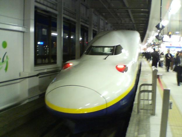 Photos: E4系