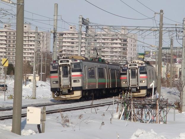 Photos: 731系×731系