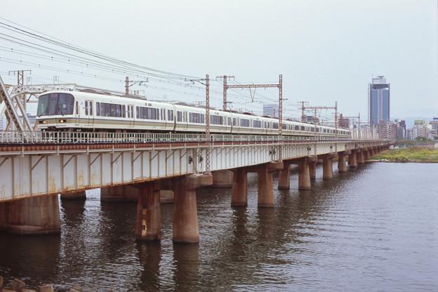 Photos: 000446_20140420_JR新大阪-大阪