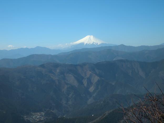 写真: 尾根からの富士山