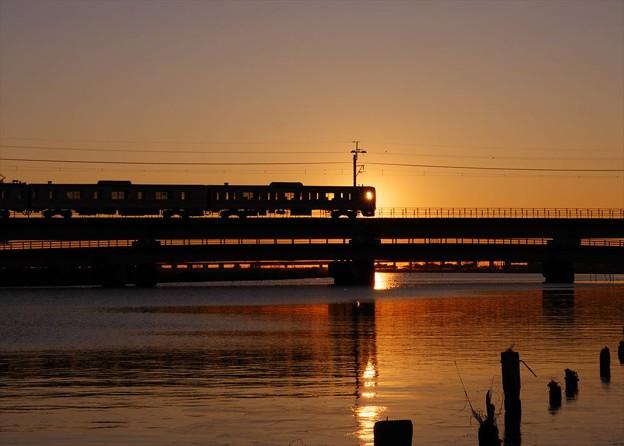 朝の鉄道風景♪