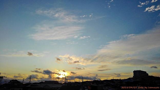 写真: 朝陽(180407)