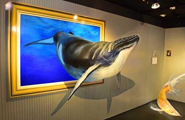 クジラ飛び出す!
