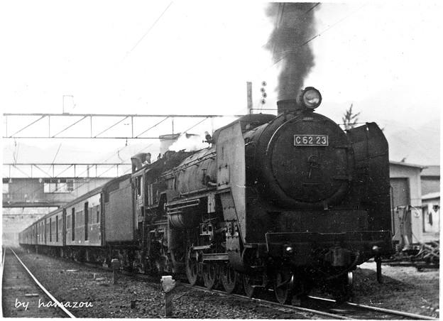 C62形蒸気機関車