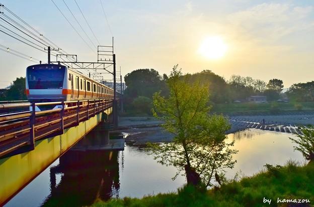 朝陽の鉄橋