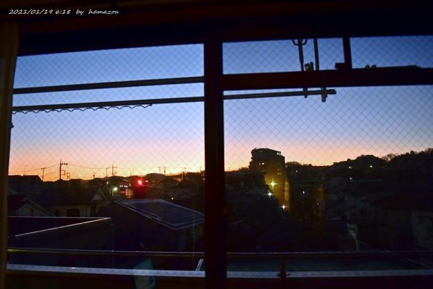 Photos: 部屋から朝焼け