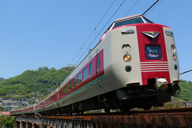 Photos: 381系特急やくも@備中川面~木野山