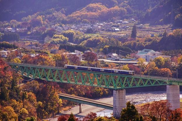 E257系ホリデー快速富士山@新桂川橋梁俯瞰
