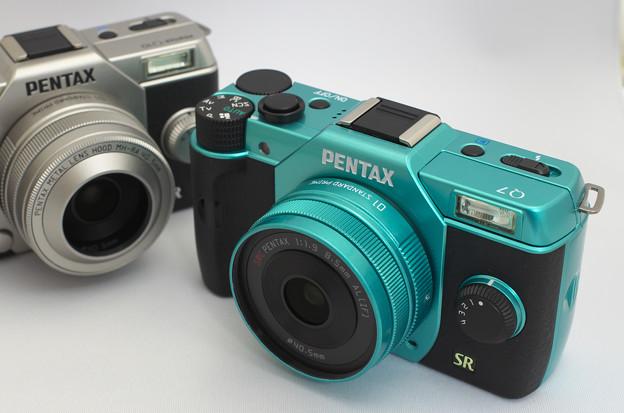 "PENTAX Q7 with 01 STANDARD PRIME ""MintBlack"""
