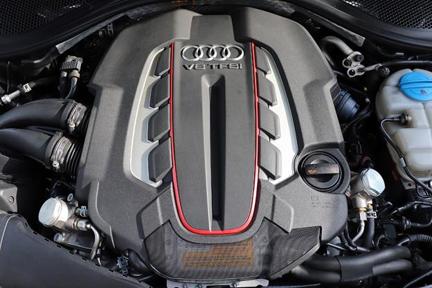 V8 4000cc ターボ 420馬力