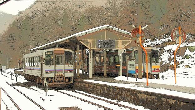 雪の備後落合駅