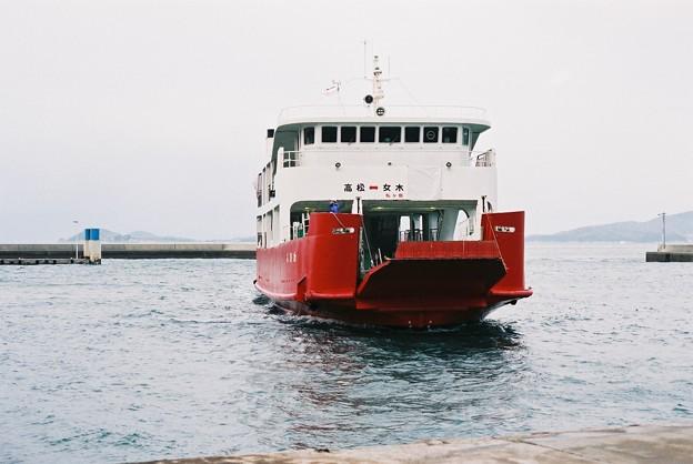 女木島入港シーン