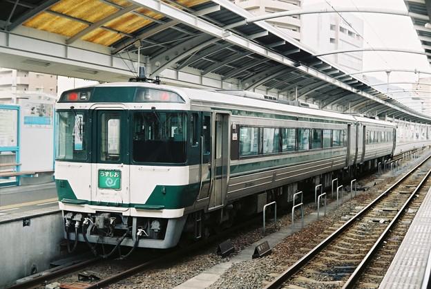 リバイバル国鉄色の「うずしお8号」回送