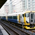 錦糸町駅の留置線で待機するE257系
