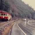 雨の中を行くキハ303