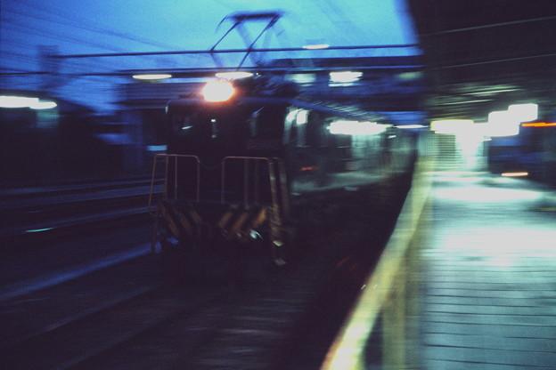 夕暮れの舘林駅にて