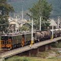 秋山川を渡る重連貨物列車