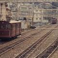 Photos: 近鉄生駒鋼索線宝山寺1号線の旧型車と踏切