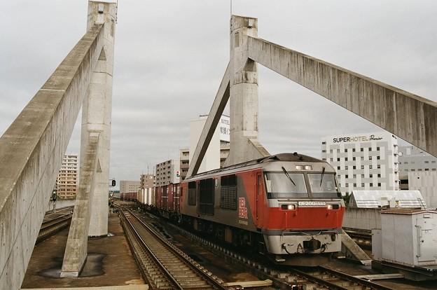 コンクリート斜張橋と2093レ