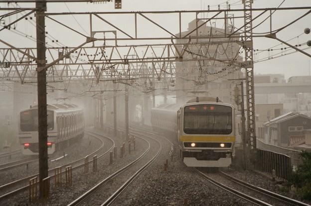 Photos: 雨の総武線