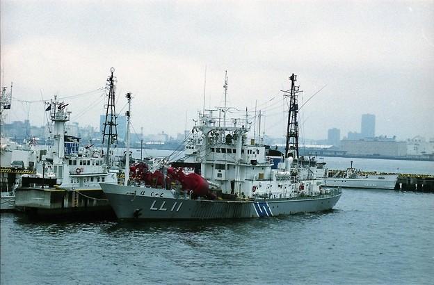 設標船LL11「ほくと」