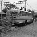 上毛電鉄のボンネットバスのリアビュー