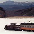 雪原を行くストーブ列車
