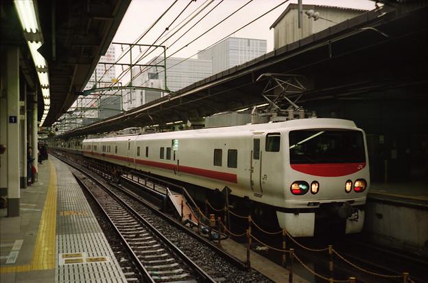 東京駅にやってきたE491系