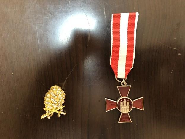スツーカショップのハンブルク・ハンザ十字章と金ダイヤモンド柏葉剣付き