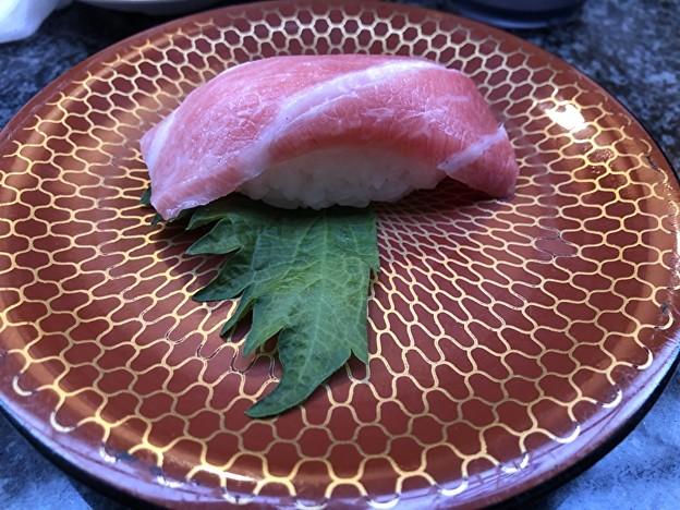 おんまく寿司のかまとろの寿司
