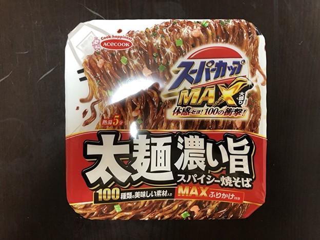 エースコックのスーパーカップMAXの太麺濃い旨スパイシー焼きそばのMAXふりかけ
