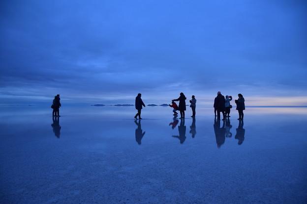 塩湖の夜明け