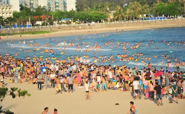 中国のハワイ 海南島で海水浴~~ (2)