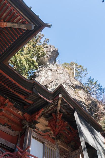2019年初詣【榛名神社:本殿の裏の巨石】