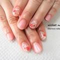 写真: おとなピンクとお花のネイル ¥5,200