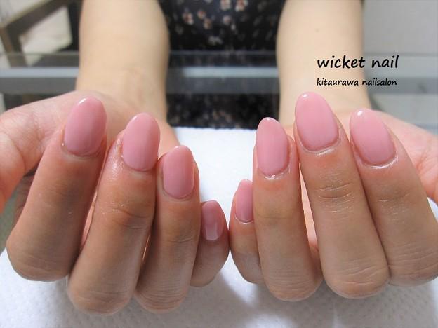 写真: ピンクのワンカラーネイル¥4,000