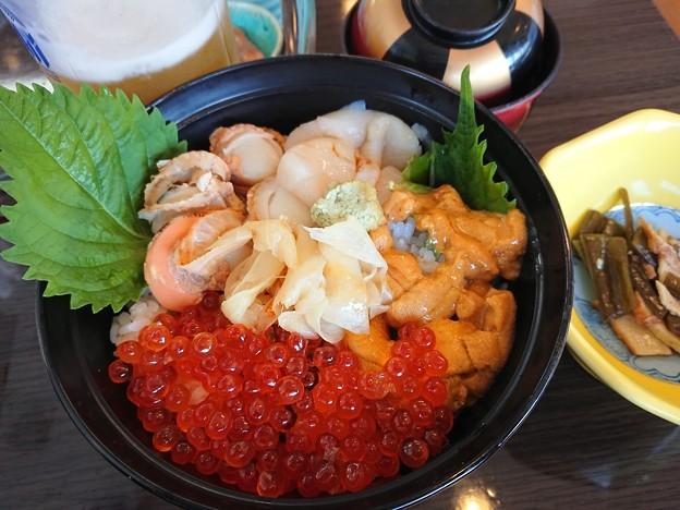 塩釜で食べた海鮮丼 DSC_0891 (1)