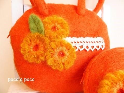 フェルトのオレンジバッグとポーチ b2