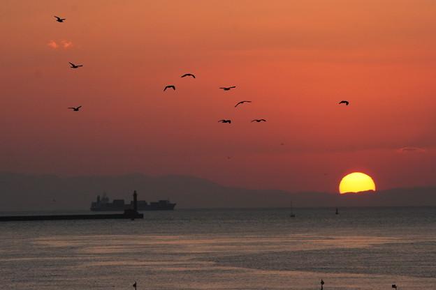 大阪湾に沈む夕日