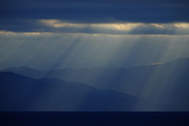 降り注ぐ恵みの光