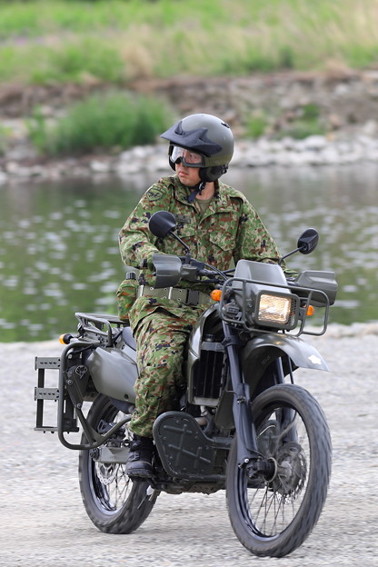 偵察用オートバイ