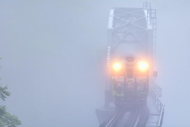 一番列車がやって来る