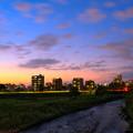 Photos: 夕闇の豊平川