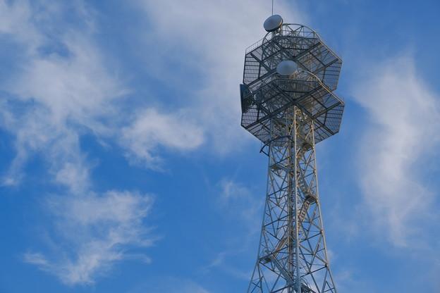 Photos: 白い電波塔