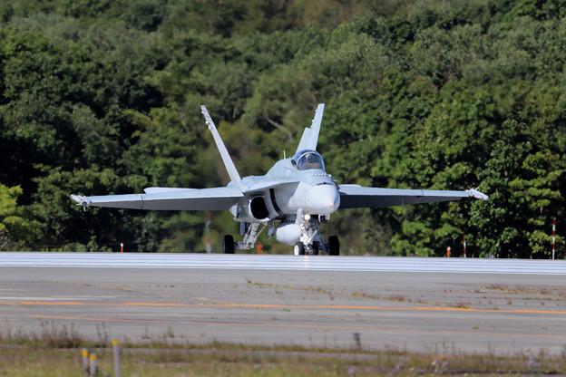F18ホーネット 正面-1