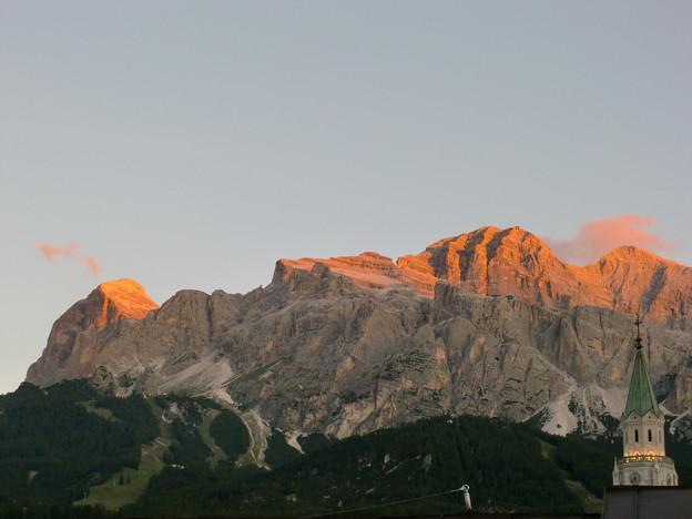 トファーナ山群の夜明け