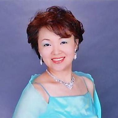写真: 市川恵美 いちかわえみ 声楽家 オペラ歌手 ソプラノ     Emi Ichikawa
