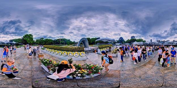 2019年8月6日 広島 平和記念公園 原爆死没者慰霊碑 360度パノラマ写真
