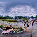 Photos: 2019年8月6日 広島 平和記念公園 原爆死没者慰霊碑 360度パノラマ写真