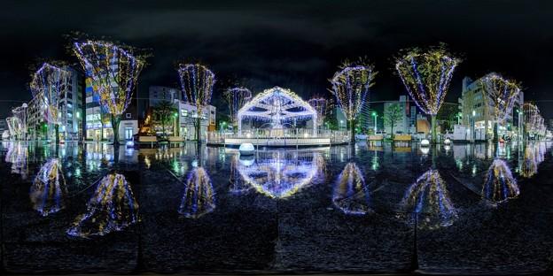 Photos: 青葉シンボルロード、雨の日のイルミネーション 360度パノラマ写真